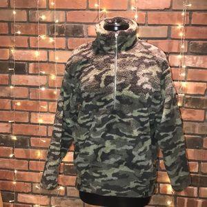 Express Camo Fleece Half Zip Sweater Warm Cozy Sof